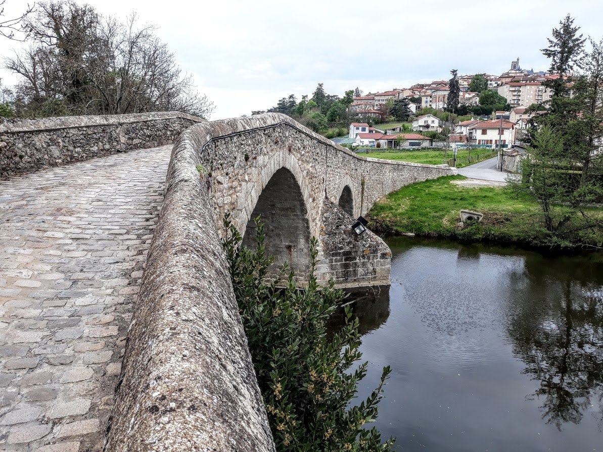 St-Galmier: le pont Gavé rendu aux piétons